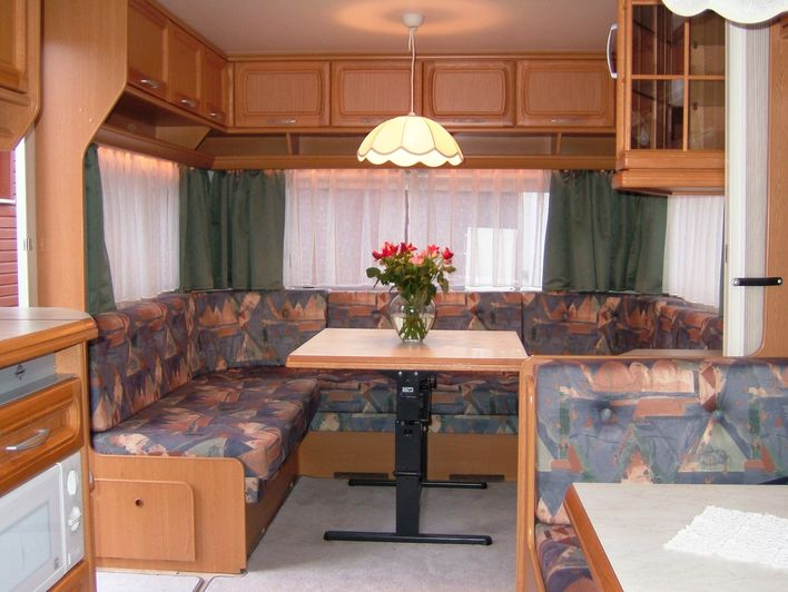 mietwohnwagen hobby camping holl ndischer hof. Black Bedroom Furniture Sets. Home Design Ideas